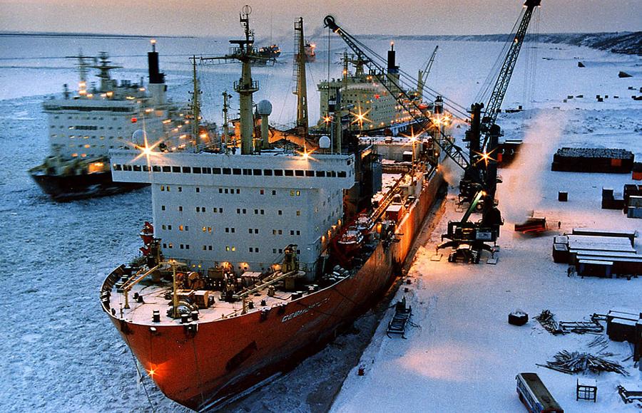 США хотят направить вАрктику военные корабли
